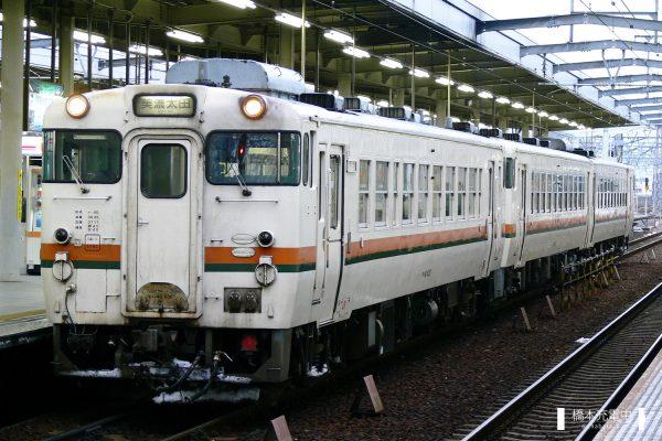 キハ40形気動車 キハ40 6307/2006-01-04 岐阜