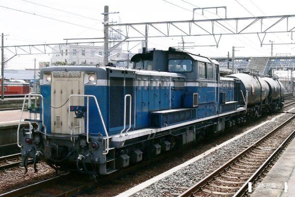 DD51形ディーゼル機関車 DD51 889/2006-03-14 富田