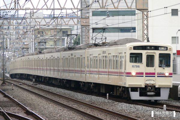 京王6000系 6736F/2007-07-20 笹塚