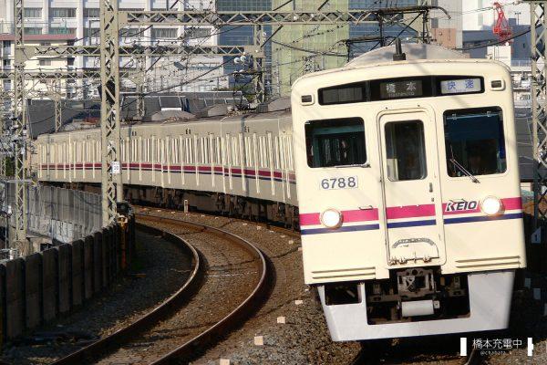 京王6000系 6738F