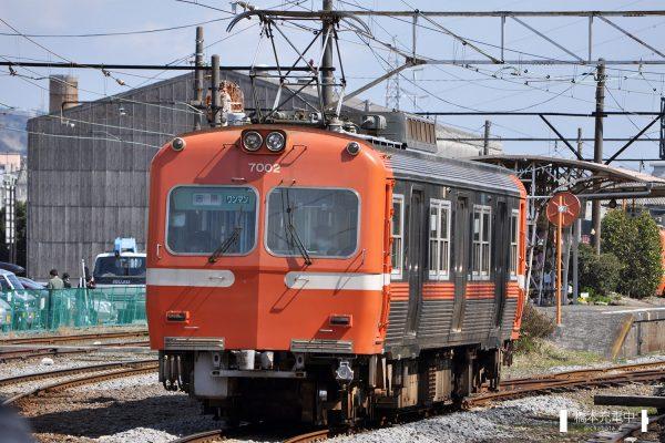 岳南鉄道7000形 7002/ 2012-03-12 岳南原田