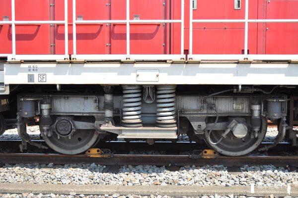 HD300形ハイブリッド機関車 HD300-901