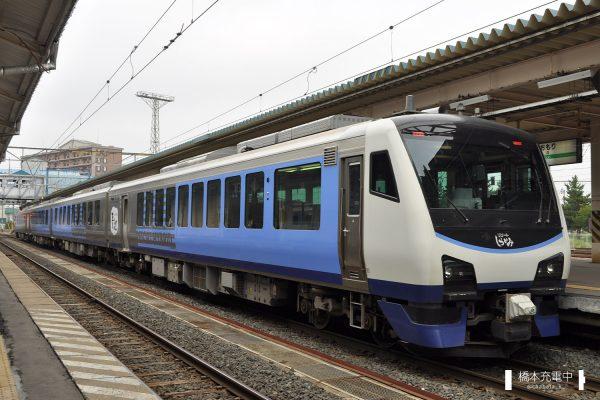 HB-E300系気動車 HB-E301-1~4連「リゾートしらかみ青池」(秋田車両センター)